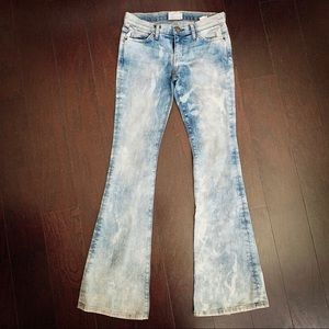 Current Elliott low rise flared bleached Jean.